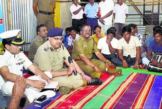 Focussed: Deputy Inspector General of Police Sandeep Mittal speaking at a programme in Rameswaram. — Photo: L. Balachandar
