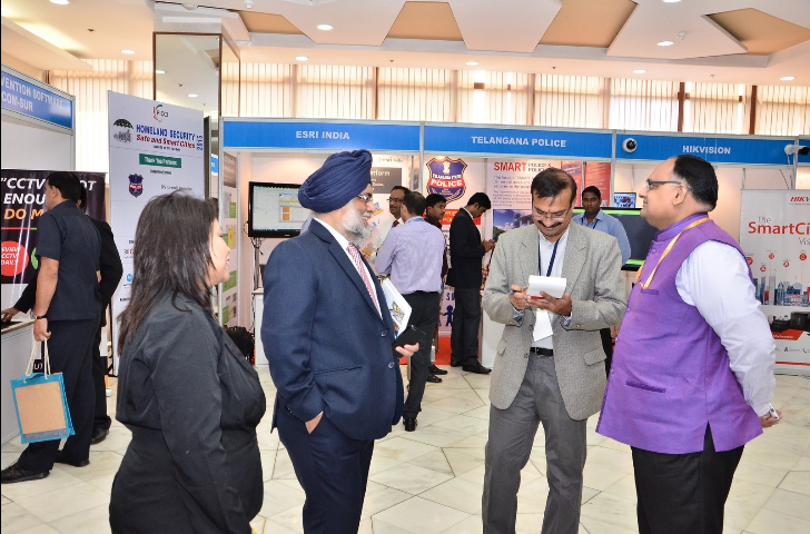 Shri Sandeep Mittal, IPS  with other guests during the conference