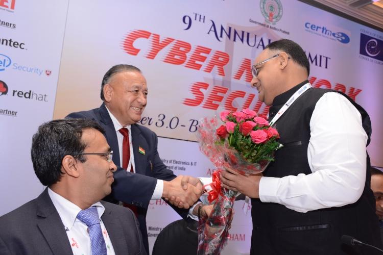 Sh. Sandeep Mittal IPS welcoming with buquet by Sh. D.S. Rawat, Secretary General, ASSOCHAM